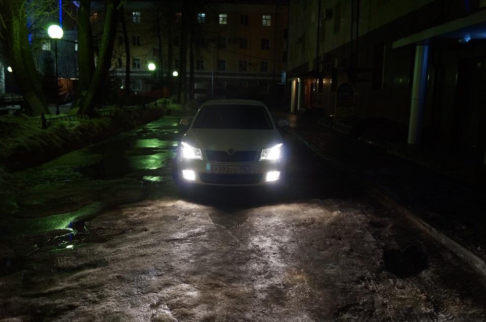 Замена ламп ближнего света Skoda Octavia A5