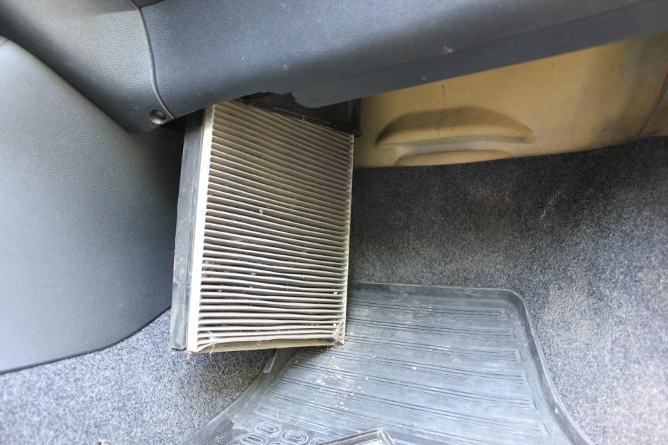 Замена воздушного фильтра в шкода фабия