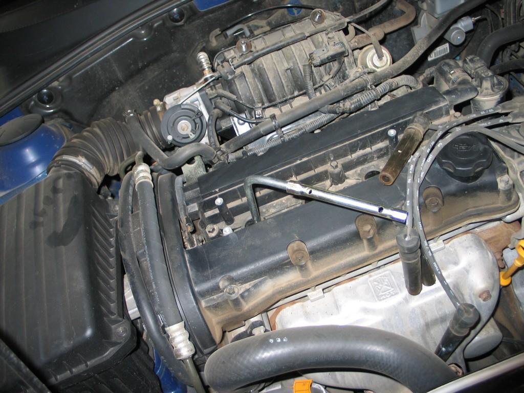 Замена свечей зажигания Chevrolet Lacetti 1.4 — 1.6 литра