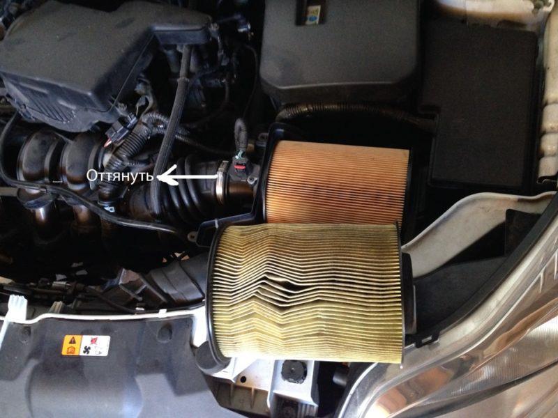 как заменить воздушный фильтр Форд Фокус 3