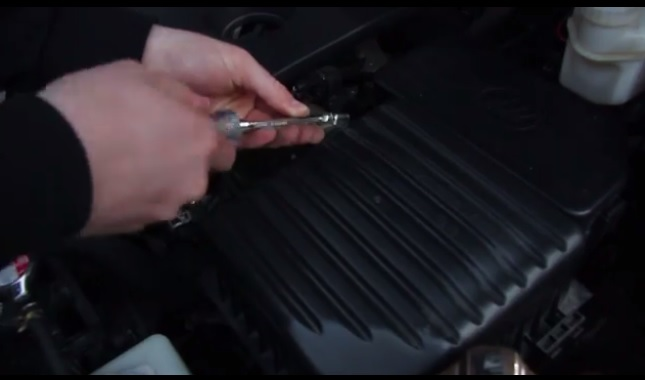 как заменить воздушный фильтр Lifan x60