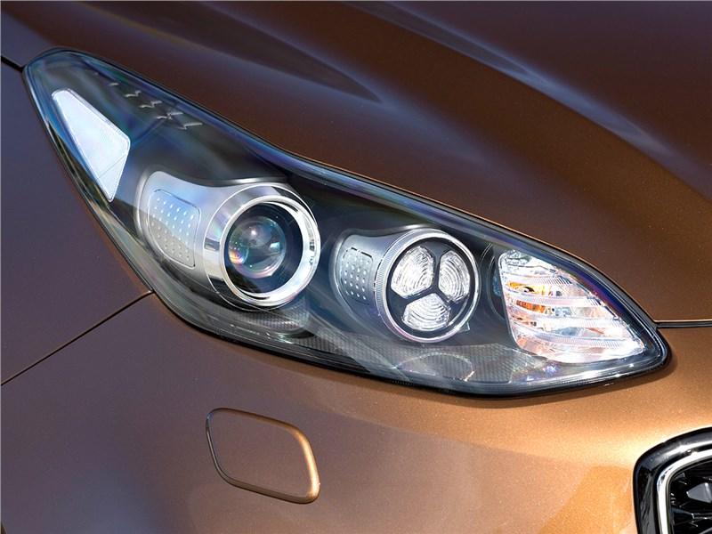лампа ближнего света Kia Sportage 4