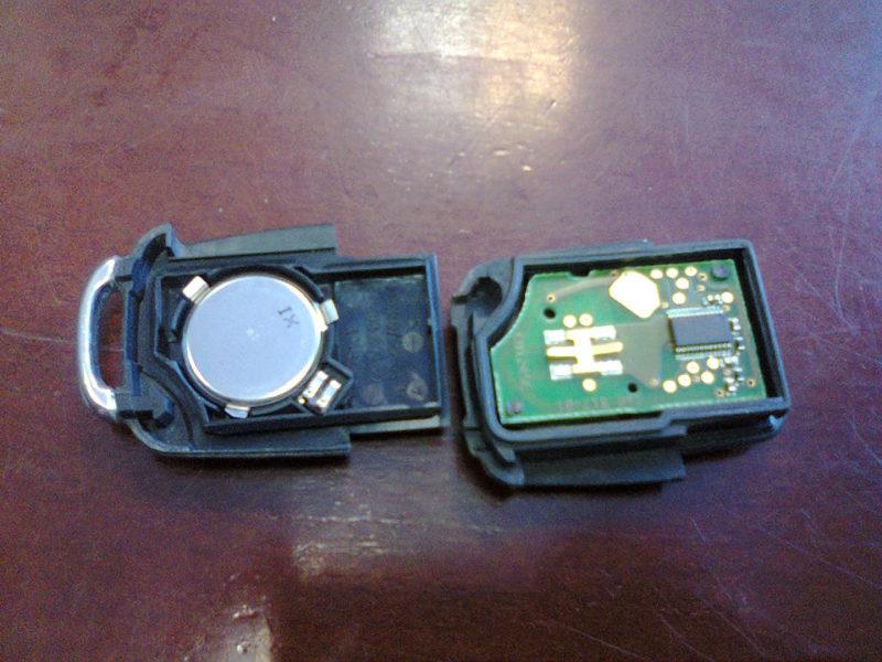 Замена батарейки Cr 2032 в ключе
