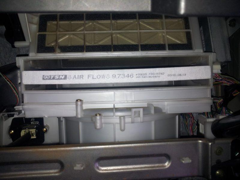 Как заменить фильтр салона на Suzuki Grand Vitara
