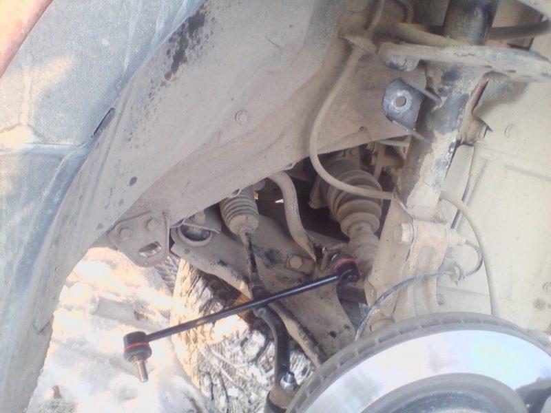 Nissan Qashqai замена передних стоек стабилизатора