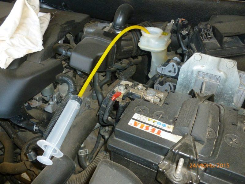 Как заменить тормозную жидкость на Кашкае