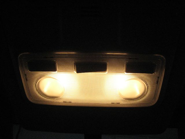Замена ламп салона Toyota Rav4 с 2013