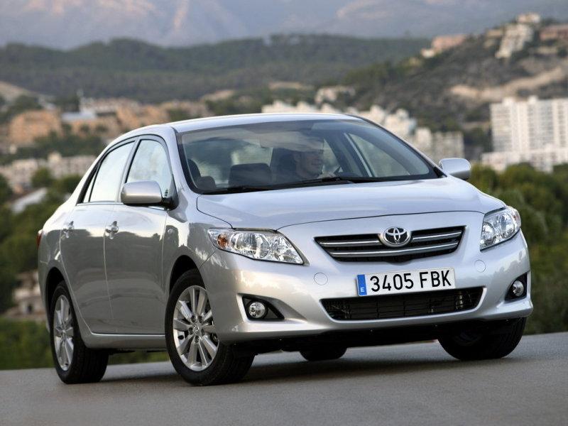 Как заменить батарейку в ключе Toyota Corolla