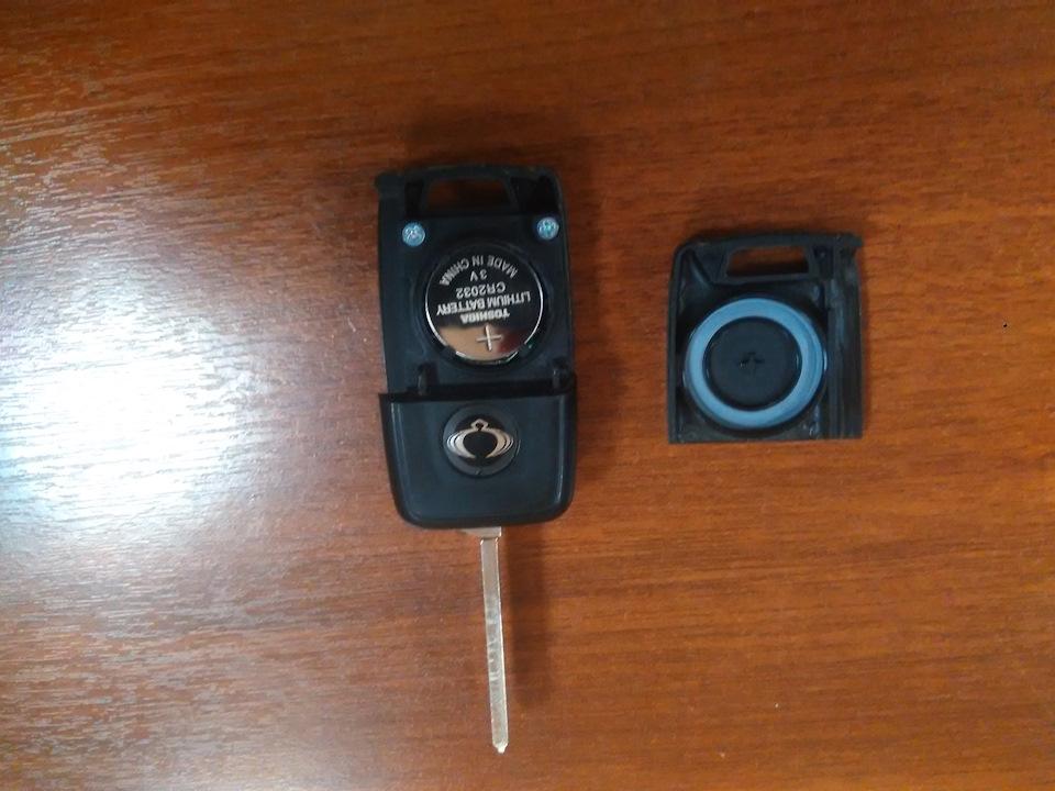 замена батарейки в выкидном ключе SsangYong Actyon