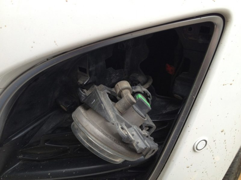 замена ламп птф Mazda CX7