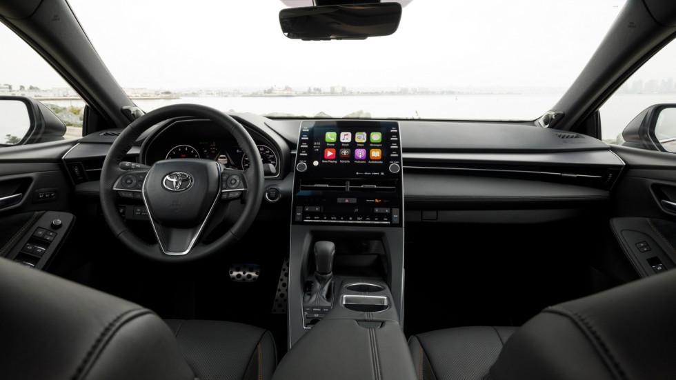 Салон Toyota Avalon 2018