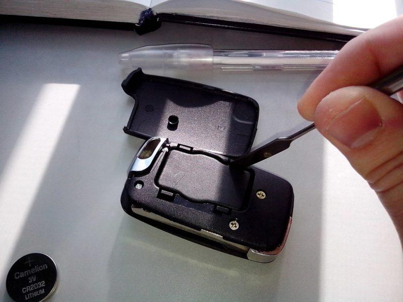 инструкция по замене батарейки в ключе