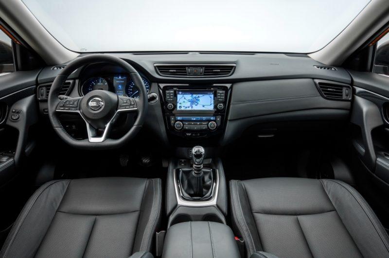 салон Nissan X-Trail 2018