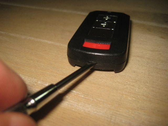 Митсубиси АСХ замена батарейки в ключе