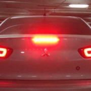 Замена ламп в задних фонарях Mitsubishi Lancer X