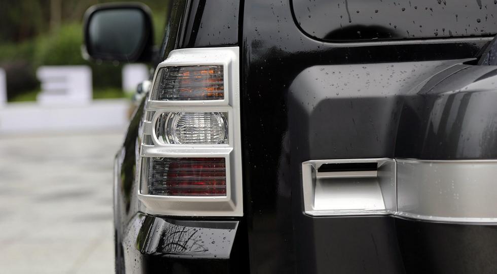 накладки Mitsubishi Pajero IV 2019